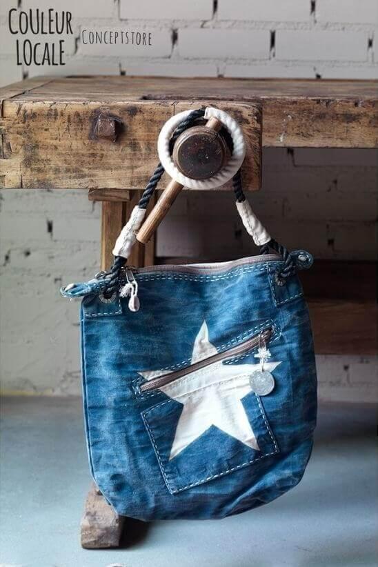 ac900a8a4c33 Сшить сумку из старых джинсов очень просто: главное — аккуратно подготовить  материал. Сумки из старых джинс не обязательно шить на швейной машинке.