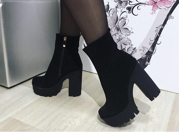 8c01f96ec Что же делать с зимними вариантами ботинок на каблуке? Ведь в гололед и  большой шар снега на дороге затрудняется нежный ход женщины по улице, не  говоря уже ...